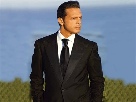 Luis Miguel on Amazon Music