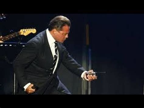 Luis Miguel - Romance 2015 (HD) oficial exclusiva - YouTube