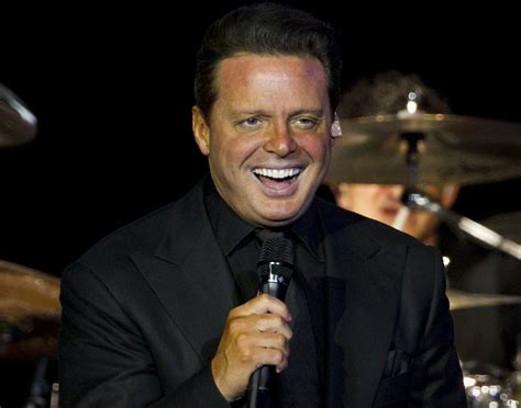 Luis Miguel Settles Lawsuit That Prompted His Arrest ...