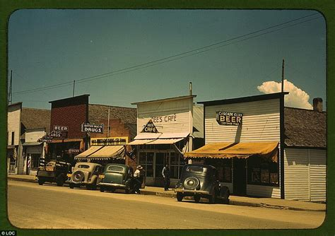 Main Street in the 40s: Rare colour photographs capture ...
