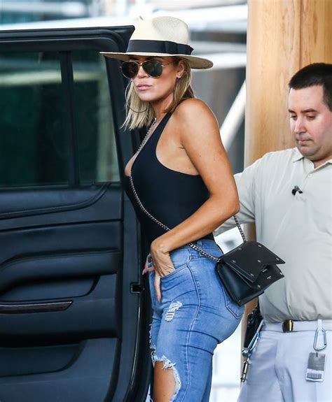 Make-up free Khloe Kardashian ditches her usual glam to ...