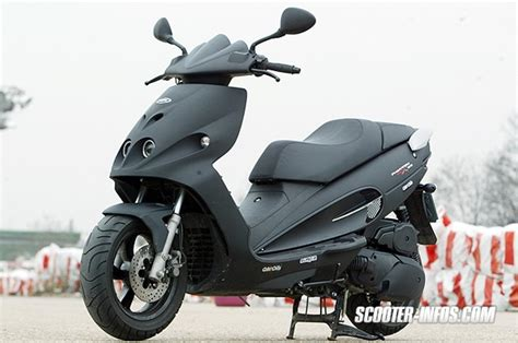 Malaguti Malaguti A2 Phantom 50   Moto.ZombDrive.COM