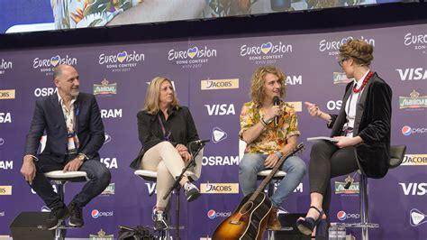 Manel Navarro, en la cola de las apuestas de Eurovisión