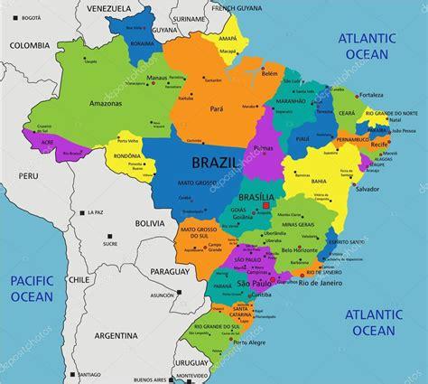 Mapa político do Brasil colorido — Vetores de Stock ...