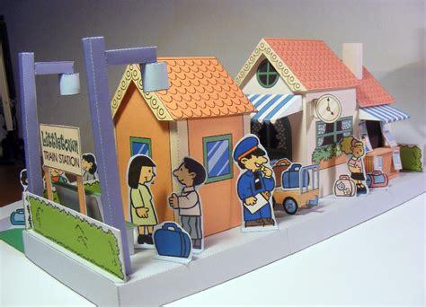 Maqueta 3D recortable de una estación de tren.   Aula ...