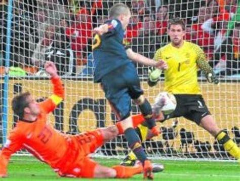 ¿Marcará otro gol Iniesta en el Soccer City?