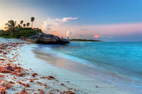 Mare Caraibico Al Tramonto Magico Fotografia Stock ...