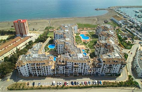 Marina Duquesa Apartment, Manilva, Spain - Booking.com