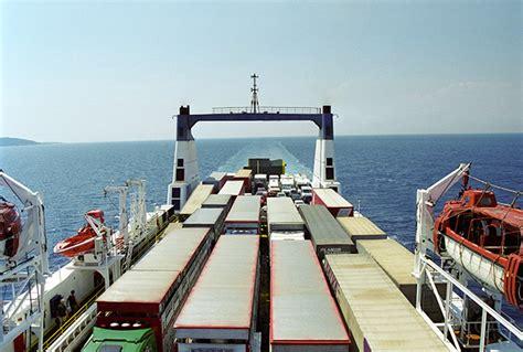 Marina Mercante saca a concurso la línea marítima de ...