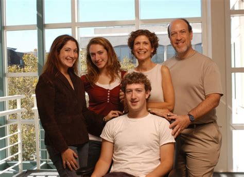 Mark Zuckerberg Family, Wife, Daughter, Parents, Sister ...