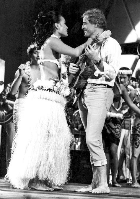 Marlon Brando and then wife Tarita Teriipia photographed ...