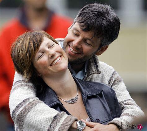 Marta Luisa de Noruega y Ari Behn, abrazados y enamorados ...