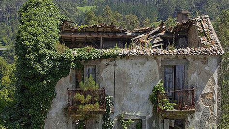 Más baratas que un garaje: Se venden aldeas por 0 euros