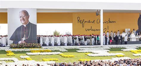 Más de 100.000 personas en beatificación de Álvaro del ...