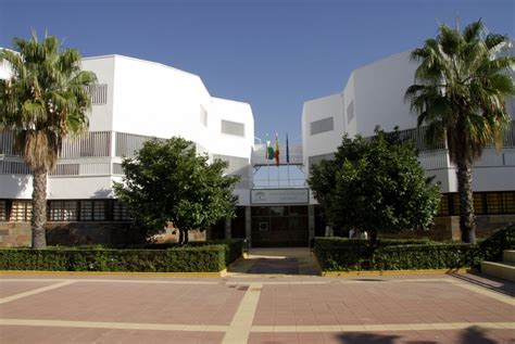 Más de 280 alumnos pasan cada año por la Residencia ...