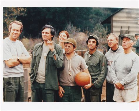 MASH TV SERIES SHOW COLOR STILL PHOTO CAST KOREAN WAR ...