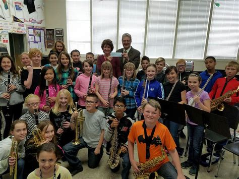 Masons donate to Jackson Street School music program ...