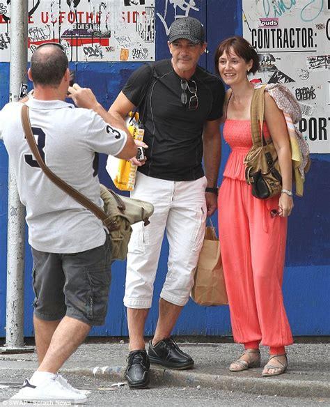 Matching shorts for Antonio Banderas and daughter Stella ...
