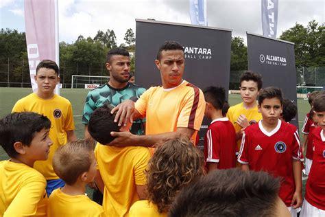 Mazinho, Rafinha y Thiago, con los niños - Deporte Local ...