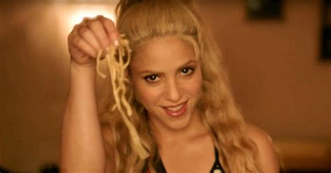 Me Enamore music video: Shakira plays with her food | EW.com