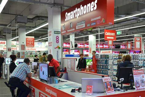 Media Markt sluit 2 winkels na Makro deal | Gondola