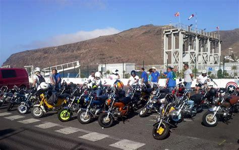 Medio centenar de Honda 70 se reunieron en la isla de La ...