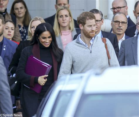 Meghan and Harry Arrive in Sydney – What Meghan Wore