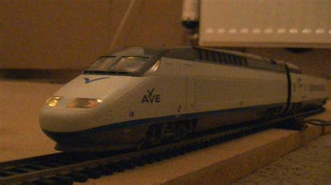 Mehano T684 RENFE AVE S 100 High Speed Train Pack  HO ...