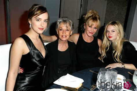 Melanie Griffith, Tippi Hedren, Dakota Johnson y Stella ...
