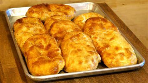 Merdenele cu brânză sărată   Retete culinare   Romanesti ...