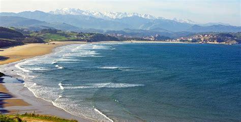 Merón, una playa de Cantabria con huellas de dinosaurio