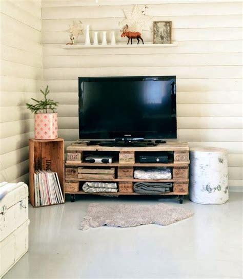 mesa para la tele con palets   Decoración en 2019   Telas ...