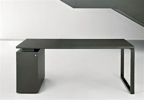 Mesas de oficina MH10: ligereza visual y diseño en su ...