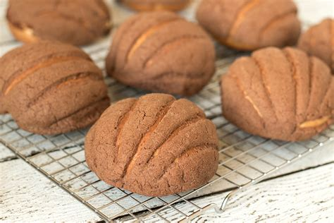 Mexican Sweet Bread  Conchas    Cooking The Globe