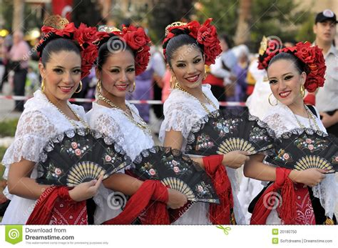 Mexico Young Ladies, Folklore Dancers Editorial Image ...