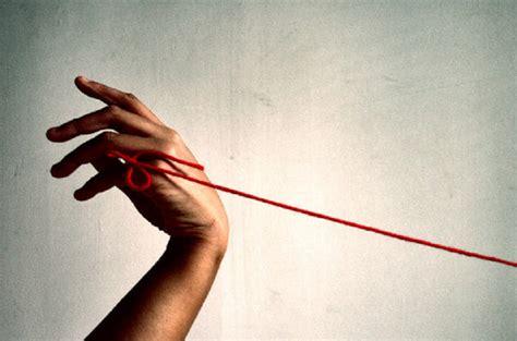 Mi Rosa de los Vientos: Nos une ese hilo rojo...