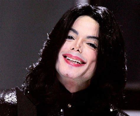 Michael Jackson Biography   Childhood, Life Achievements ...