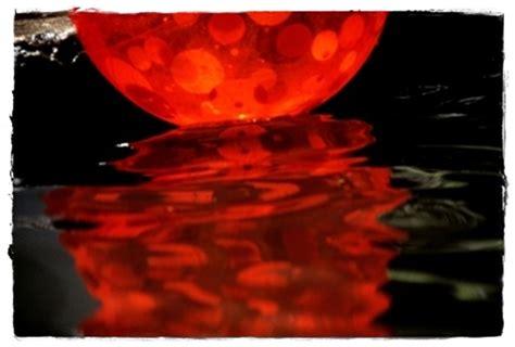 Micro Crônicas Cretinas: No olho d'água