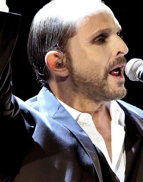 Miguel Bosé lanza el single 'Linda' junto a Malú. eldia.es.