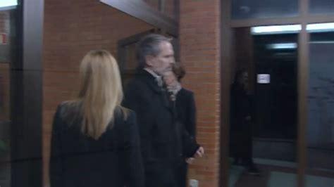 Miguel Bosé llegó a tiempo para despedirse de su sobrina Bimba