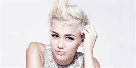 Miley Cyrus buys a VOICE contestant her dream home   ZipFM