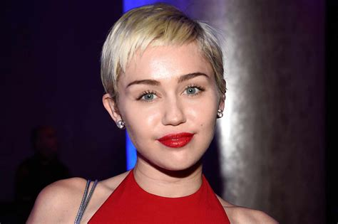 Miley Cyrus Explains Her Widely Criticized Comment On Hip ...