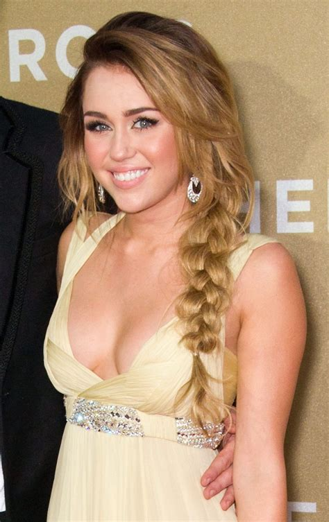 Miley Cyrus Picture 346   2011 CNN Heroes: An All Star Tribute