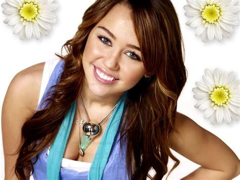 Miley Wallpaper   Miley Cyrus Wallpaper  20372608    Fanpop