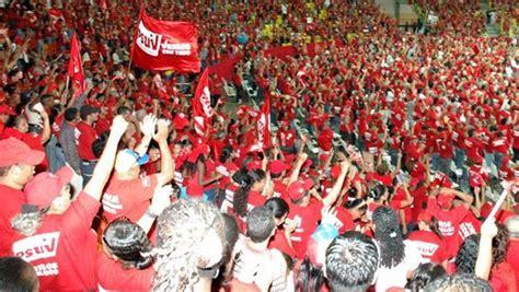 Militantes del PSUV eligen a 537 delegados para el III ...