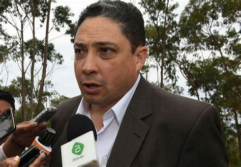 Ministro de Justicia afirma que su par chileno falta a la ...