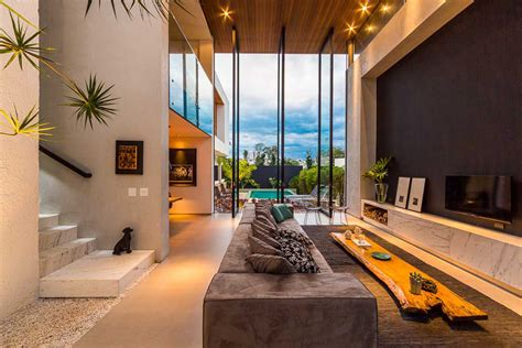 Modern Brazilian Home Taking an Elegant Approach to Design ...