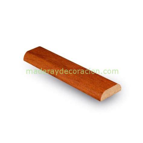 Molduras y tapetas de madera barnizada o melamina sobre MDF