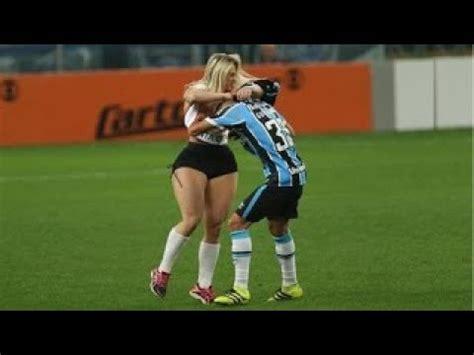 Momentos más Graciosos del Fútbol | Locos Fans En El ...