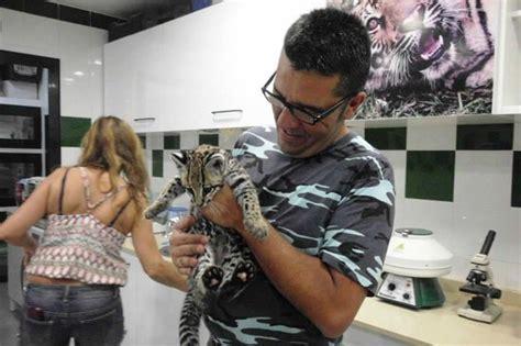 Monkey business: fotografía de Zoo Castellar, Castellar de ...